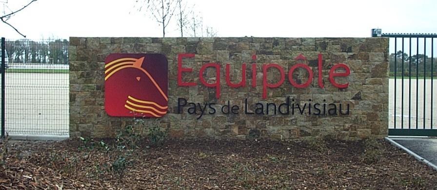 Equipole-1235X530